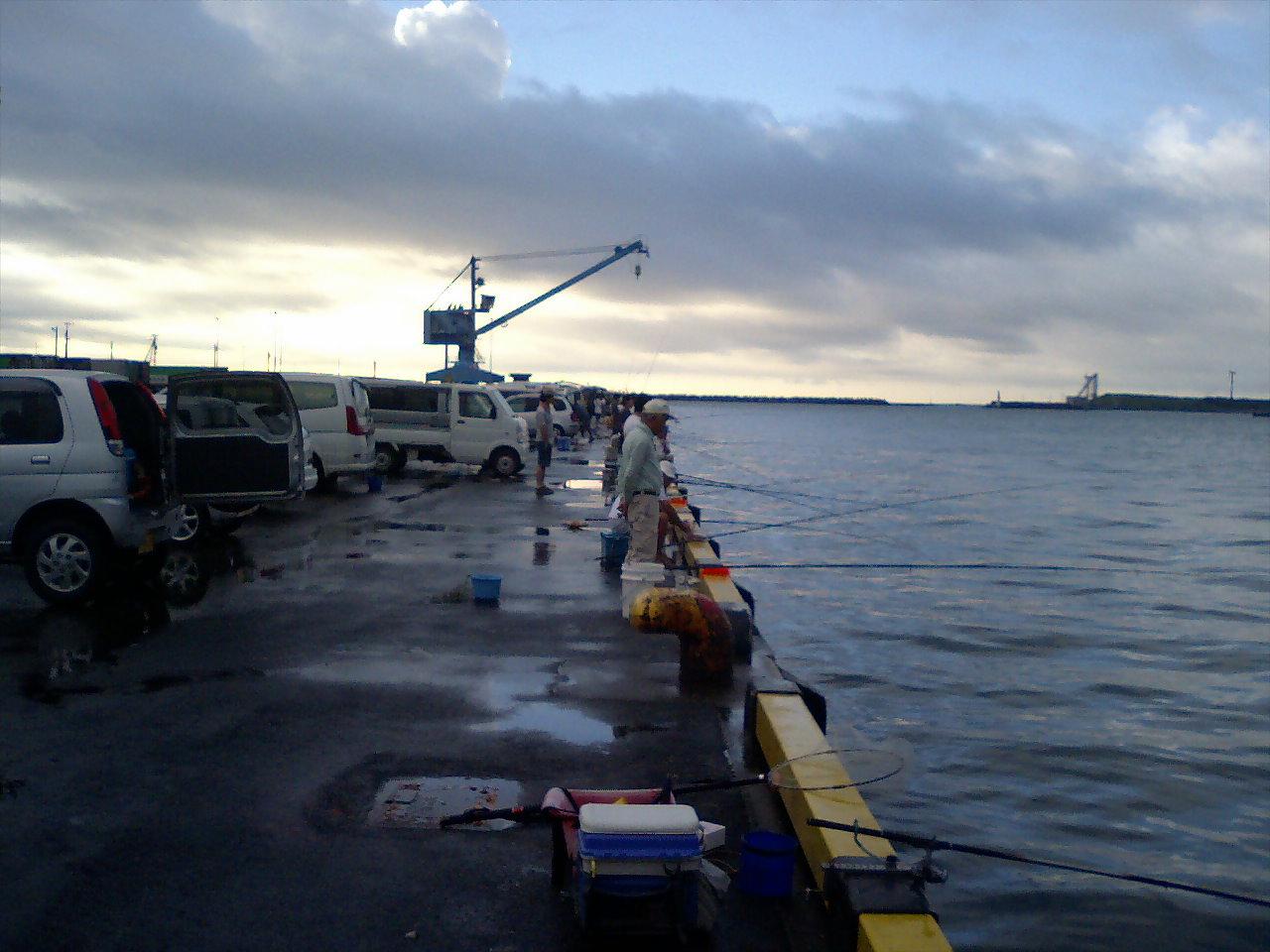 朝の御前崎港